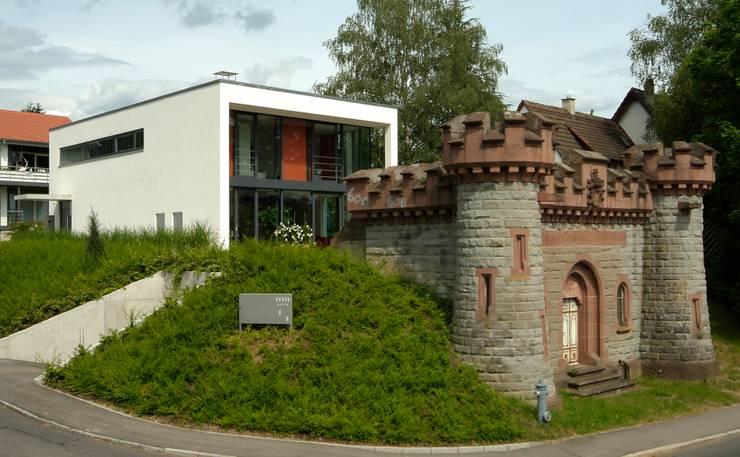 Haus Lenz in Überlingen:  Häuser von A r c h i t e k t i n  Kelbing,Modern