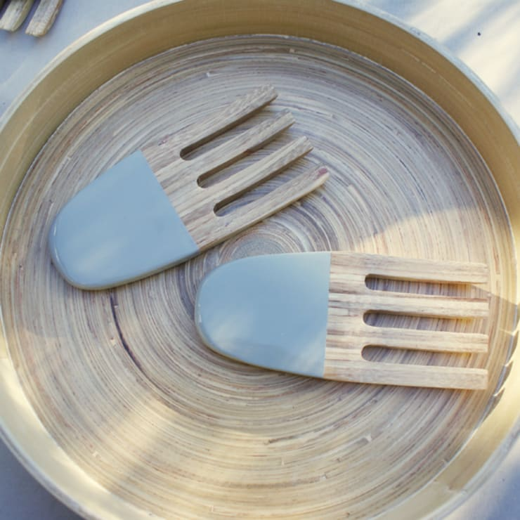 Nicolas Vahe salad servers: modern Kitchen by Decorum