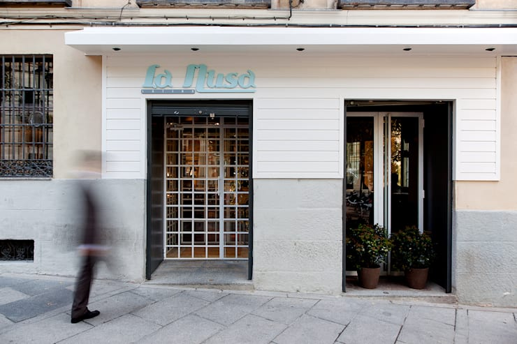 La Musa: Bares y Clubs de estilo  de LabMatic Estudio
