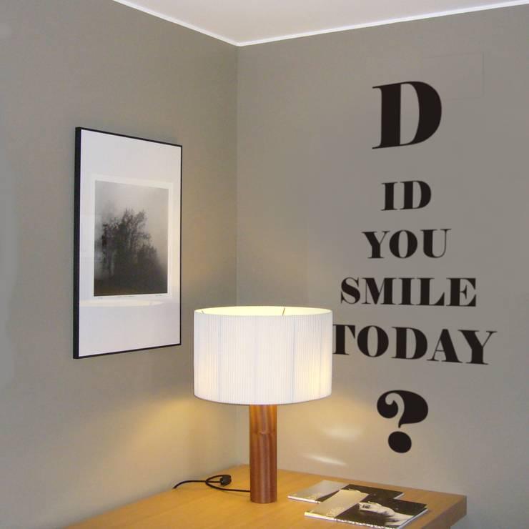 Diamonds are the walls best friends:  Flur, Diele & Treppenhaus von SILBENSALON