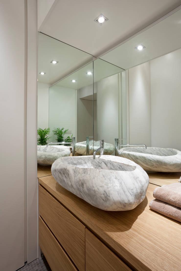 Casa de banho  por Studio RBA,