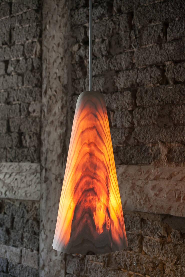 de estilo  de Christian Masche Holz Design Skulptur, Escandinavo