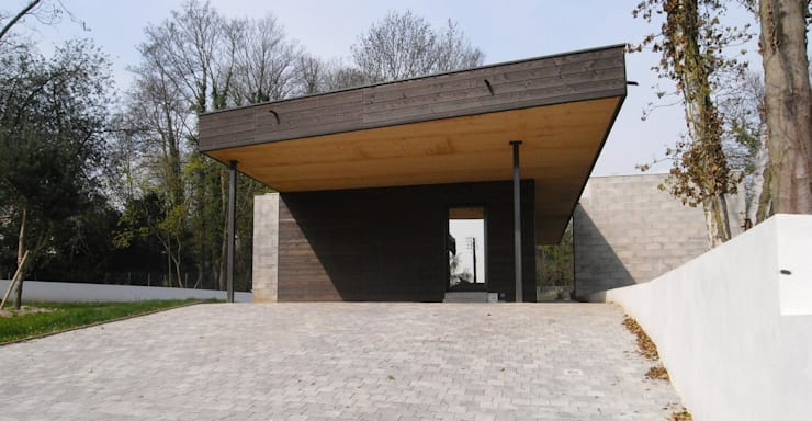 War House: Garage / Hangar de style  par Allegre + Bonandrini architectes DPLG
