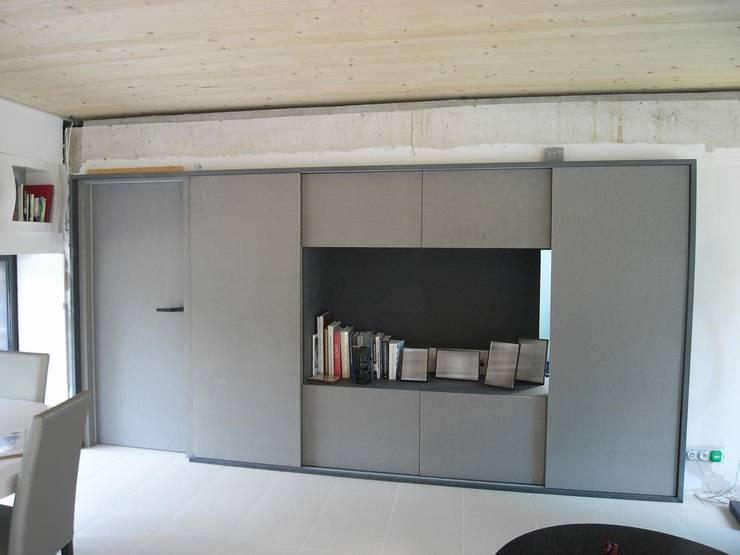 Living room by Allegre + Bonandrini architectes DPLG,