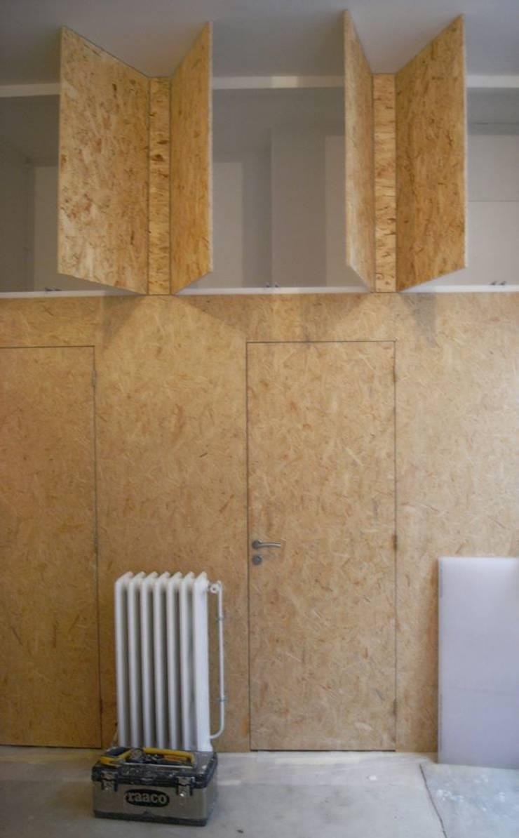 Baby Loft DEL: Maisons de style de style Industriel par Allegre + Bonandrini architectes DPLG