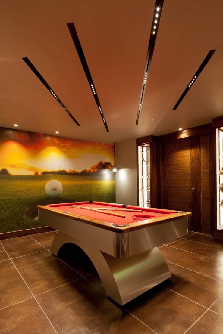 Lancashire Residence:  Media room by Kettle Design