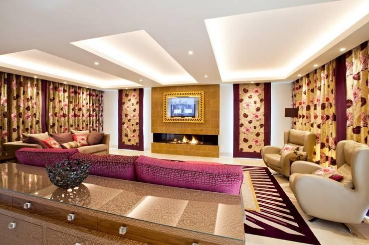 Lancashire Residence:  Living room by Kettle Design
