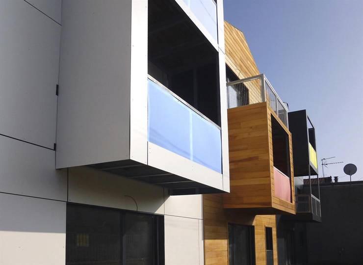 18 logements bois massif bbc Clichy 01: Maisons de style  par Allegre + Bonandrini architectes DPLG
