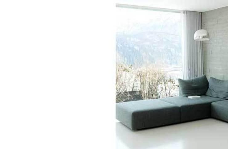 ampliamento casa R: Soggiorno in stile in stile Moderno di michele roccabruna architetto