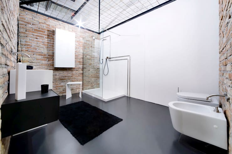 Bathroom by GAL srl