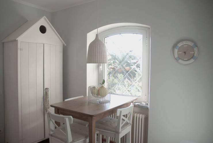 cucina: Sala da pranzo in stile  di Emmepi Design