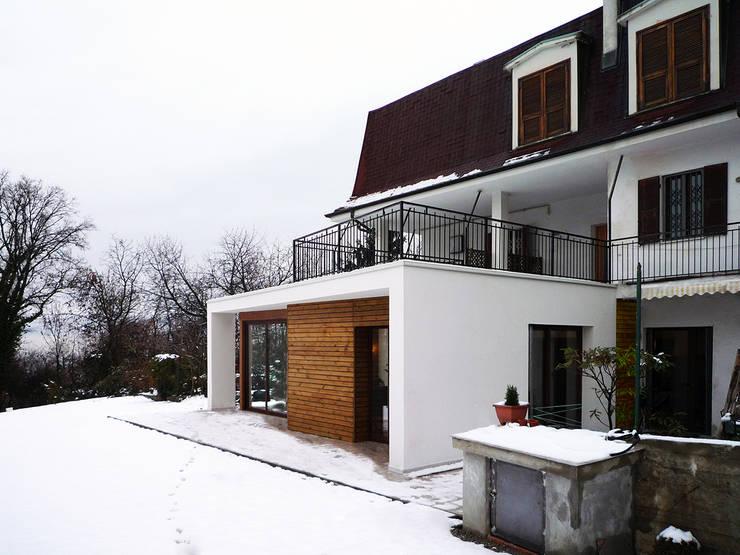 MIMESI: Case in stile in stile Moderno di Archisbang