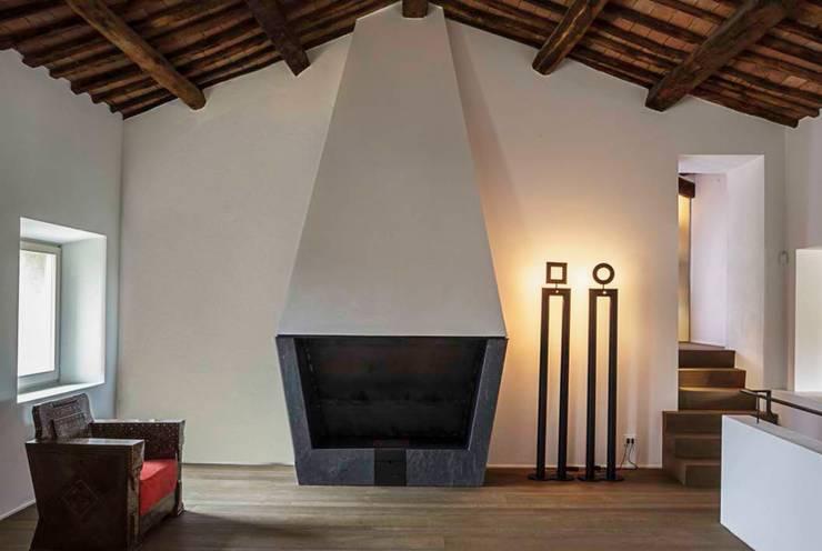 casa A2: Soggiorno in stile  di vps architetti