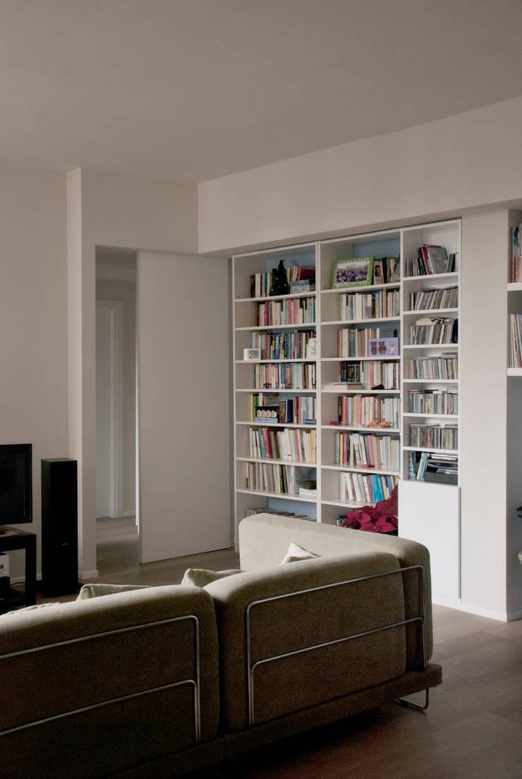 Ruang Keluarga oleh Gru architetti, Modern