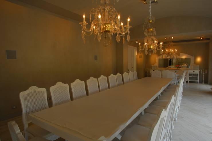 Scultura & Design S.r.l.:  tarz Yemek Odası
