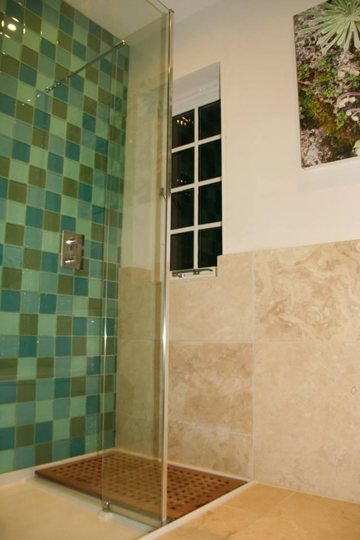 Bathroom by inclover,