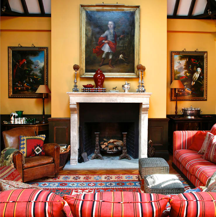 Wiltshire—Rural Retreat:  Living room by VSP Interiors