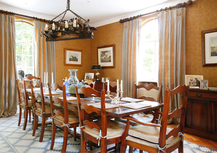 Wiltshire—Rural Retreat:  Dining room by VSP Interiors