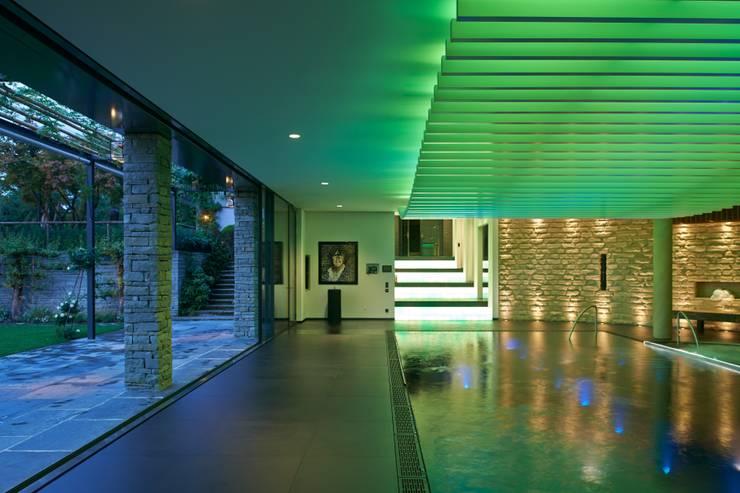 Spa oleh Tobias Link Lichtplanung, Modern