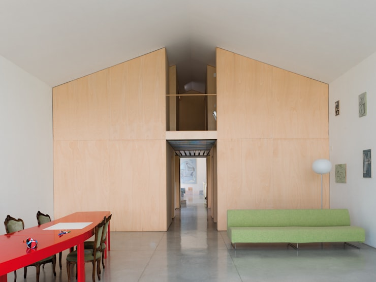 il modulo casa: Soggiorno in stile  di Studio Zero85