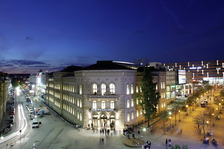 Офисы и магазины в . Автор – Tobias Link Lichtplanung, Модерн