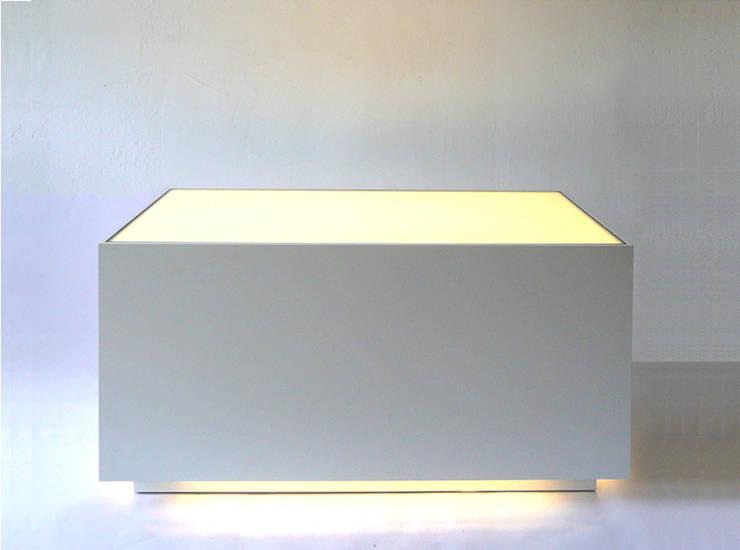 LOLA:  Wohnzimmer von RAUMLAUNE mein Möbel,
