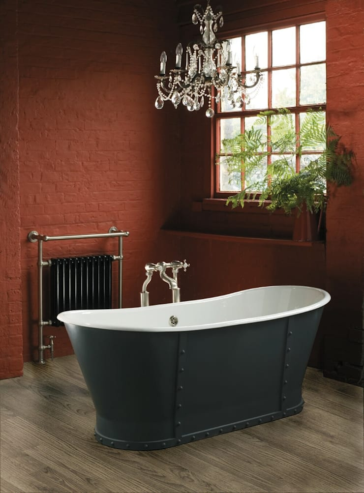 Brunel Cast Iron Bath:  Bathroom by Aston Matthews