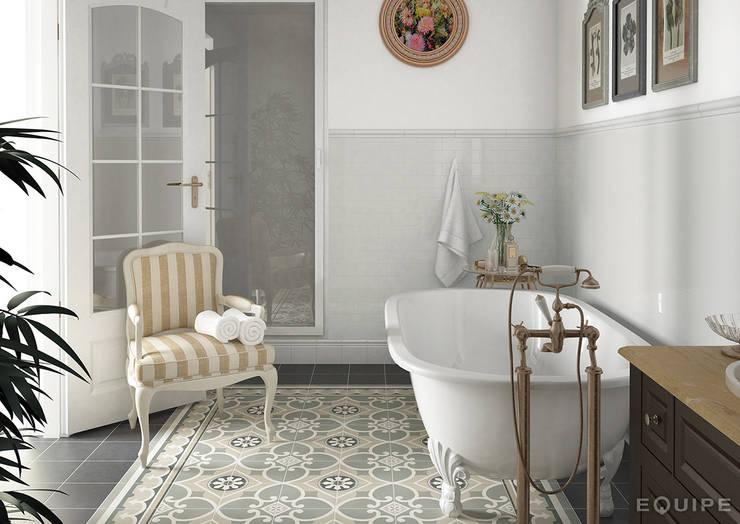 Salle de bains de style  par Equipe Ceramicas