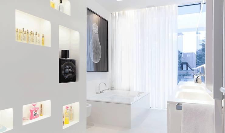 Projekty,  Łazienka zaprojektowane przez monovolume architecture + design