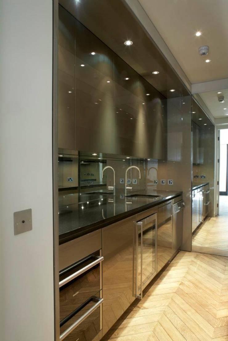Cocinas de estilo  de TLA Studio, Moderno