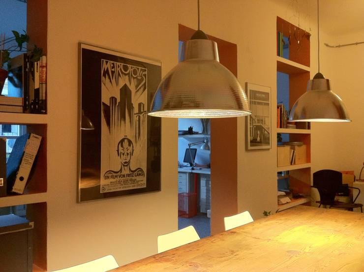 estudio en Maadrid: Estudios y despachos de estilo  de Alacet