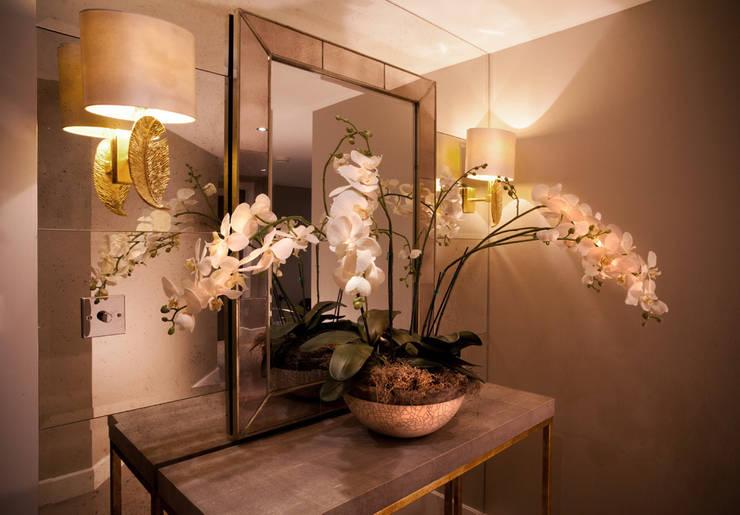 Chelsea Harbour Apartment:  Corridor & hallway by Definitive Interior Design