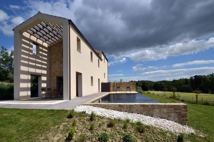 CASA MVdS: Giardino in stile in stile Moderno di silviabrocchinistudio