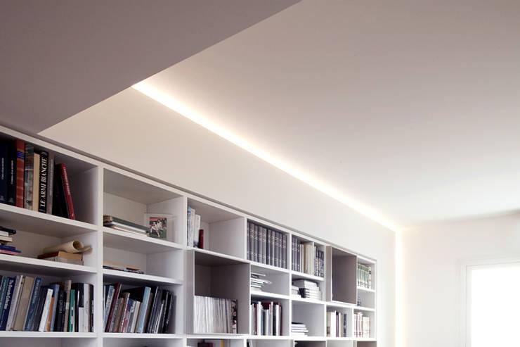 LOFT G:  in stile  di Tomas Ghisellini Architetti
