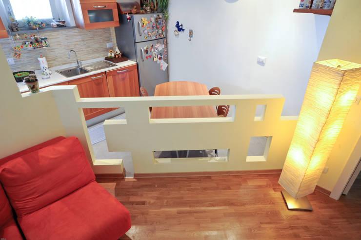 L Home: Cucina in stile  di LB Design e Allestimenti