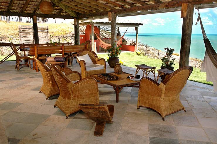 Terrazas de estilo  por Isnara Gurgel - Arquitetura + Interiores