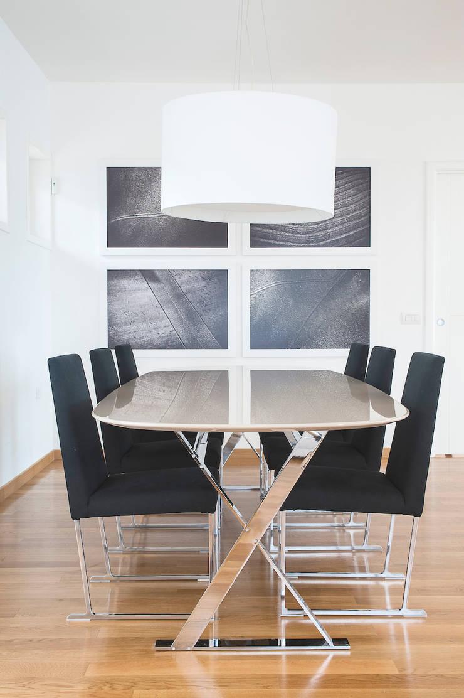 VILLA (BENEVENTO): Sala da pranzo in stile  di Studio Guerra Sas