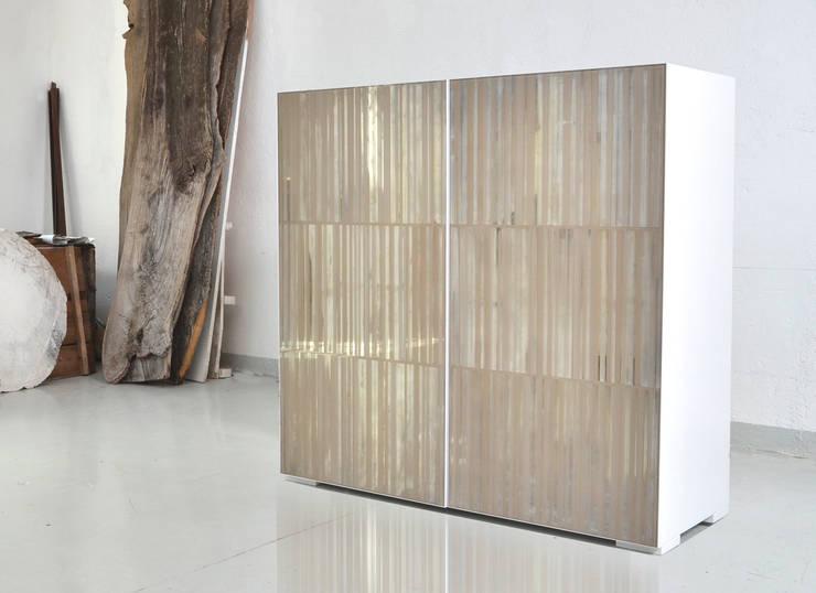 Square: Soggiorno in stile in stile Moderno di Massimo Ballardin