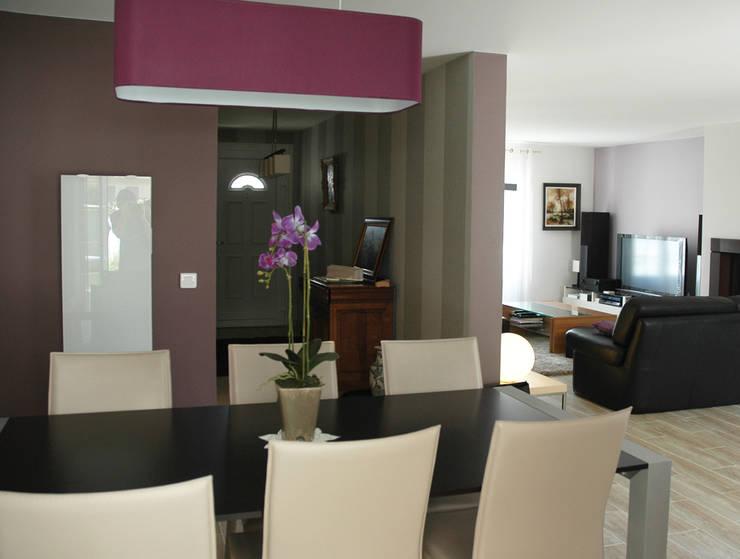 Décoration /Rénovation d'un pavillon : Salon de style  par Laurence Boudet Architecture d'intérieur et décoration