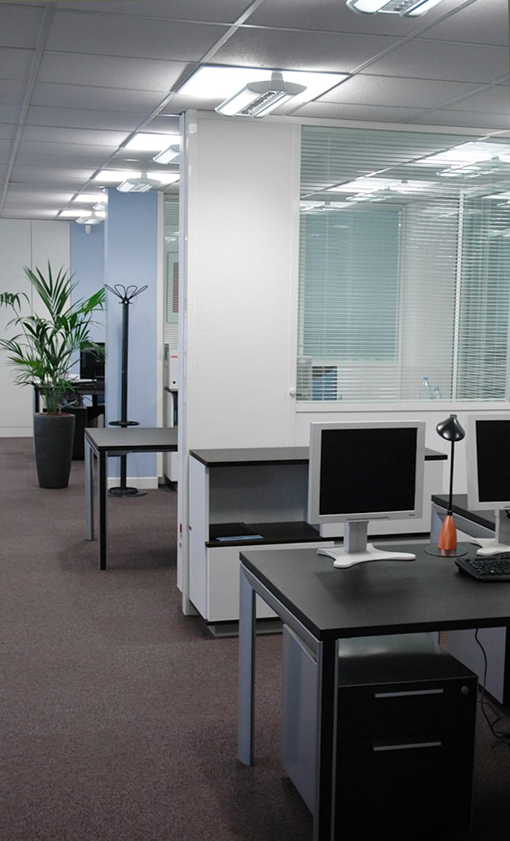 Aménagement  et rénovation des espaces de bureau ATEL ENERGIE: Bureaux de style  par Laurence Boudet Architecture d'intérieur et décoration
