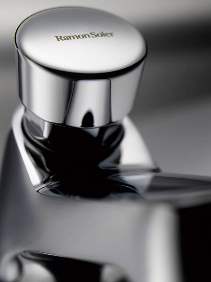Solestop 7450: Baños de estilo  de Ramon Soler