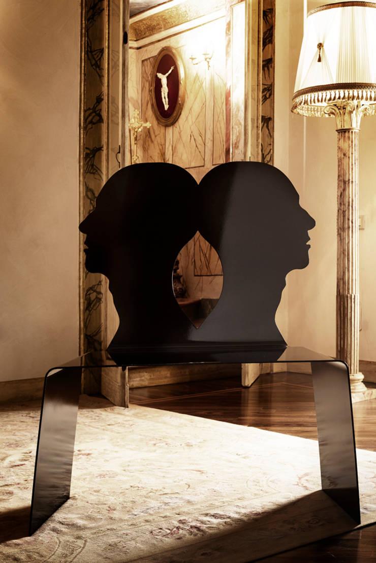 Icons Metal Emotions:  in stile  di Giacomo Fava, Moderno