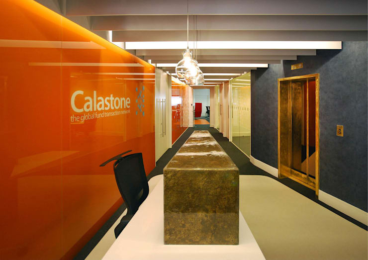 Calastone (fund industry)—London Headquarters :  Commercial Spaces by ÜberRaum Architects