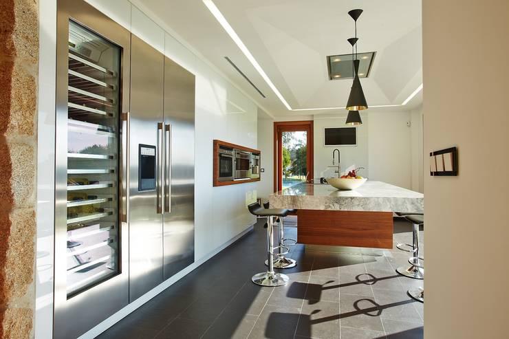 ห้องครัว by HUGA ARQUITECTOS