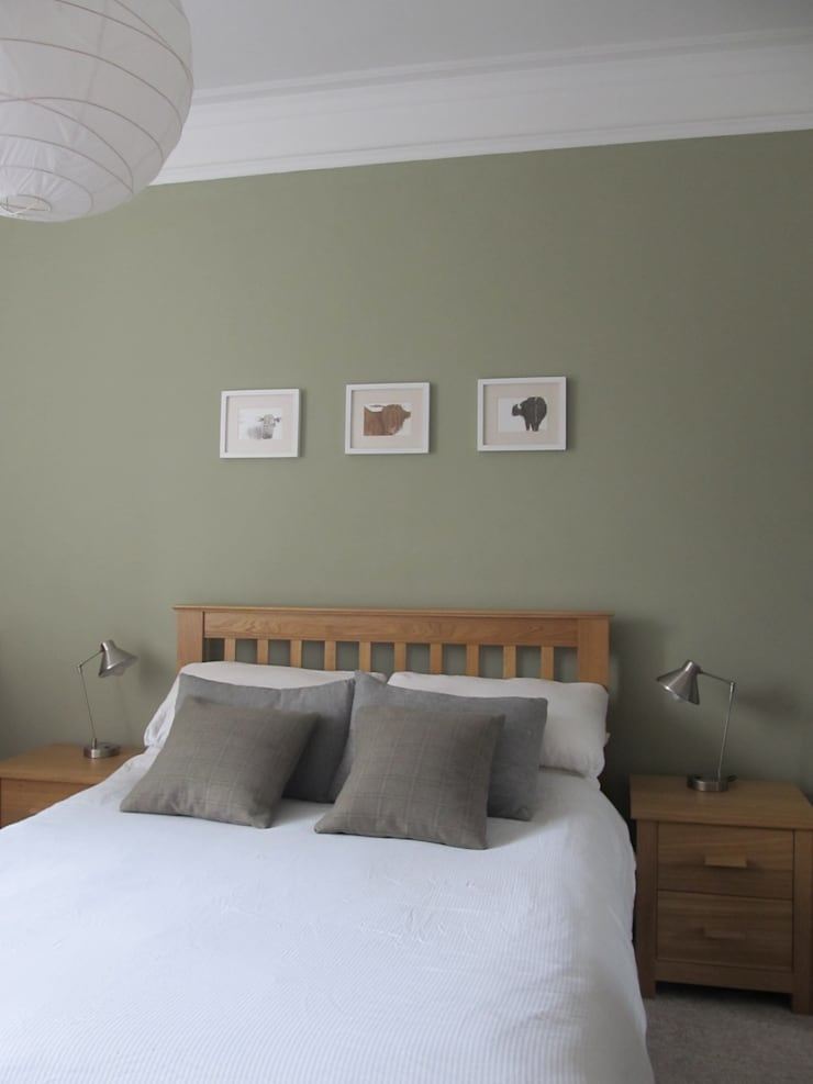 Tenement Project Edinburgh:  Bedroom by JPP Interiors