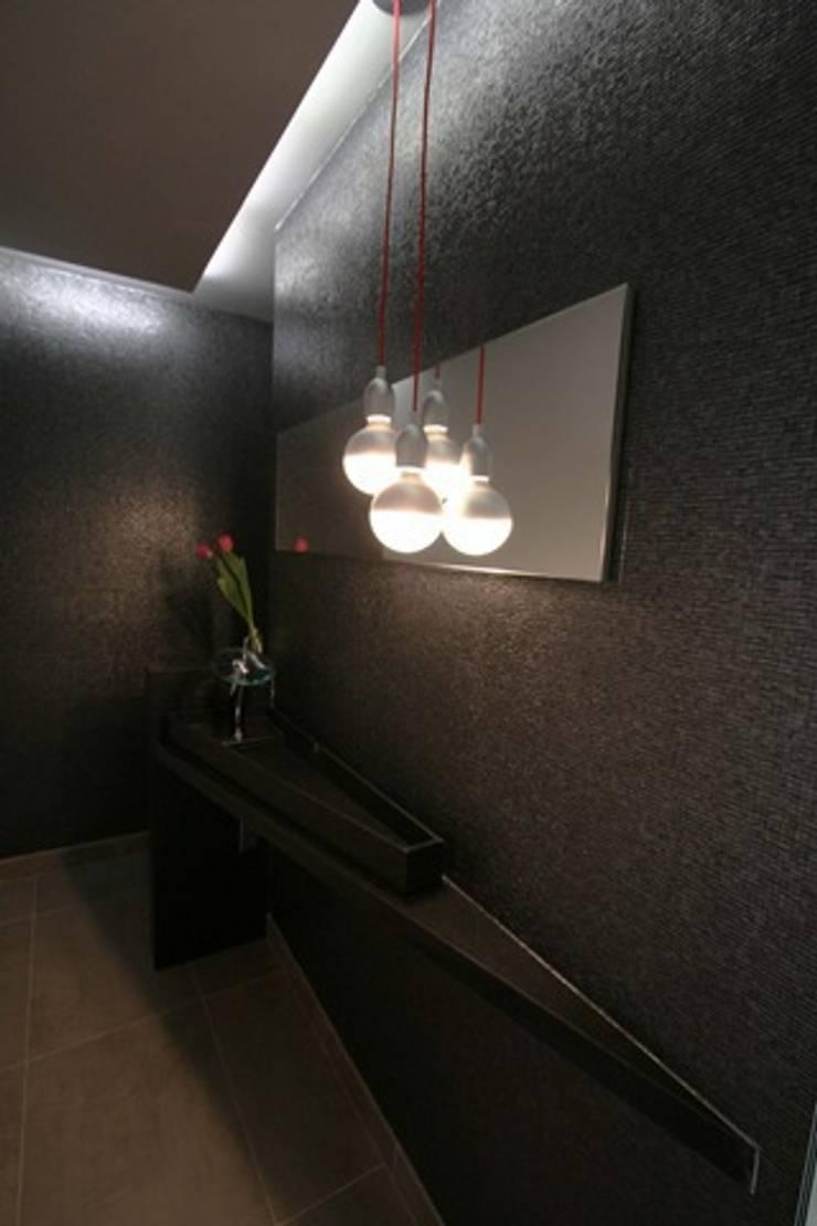 Diseño de cocina y baño en Oleiros, A Coruña:  de estilo  de  Oscar Santomé Diseño