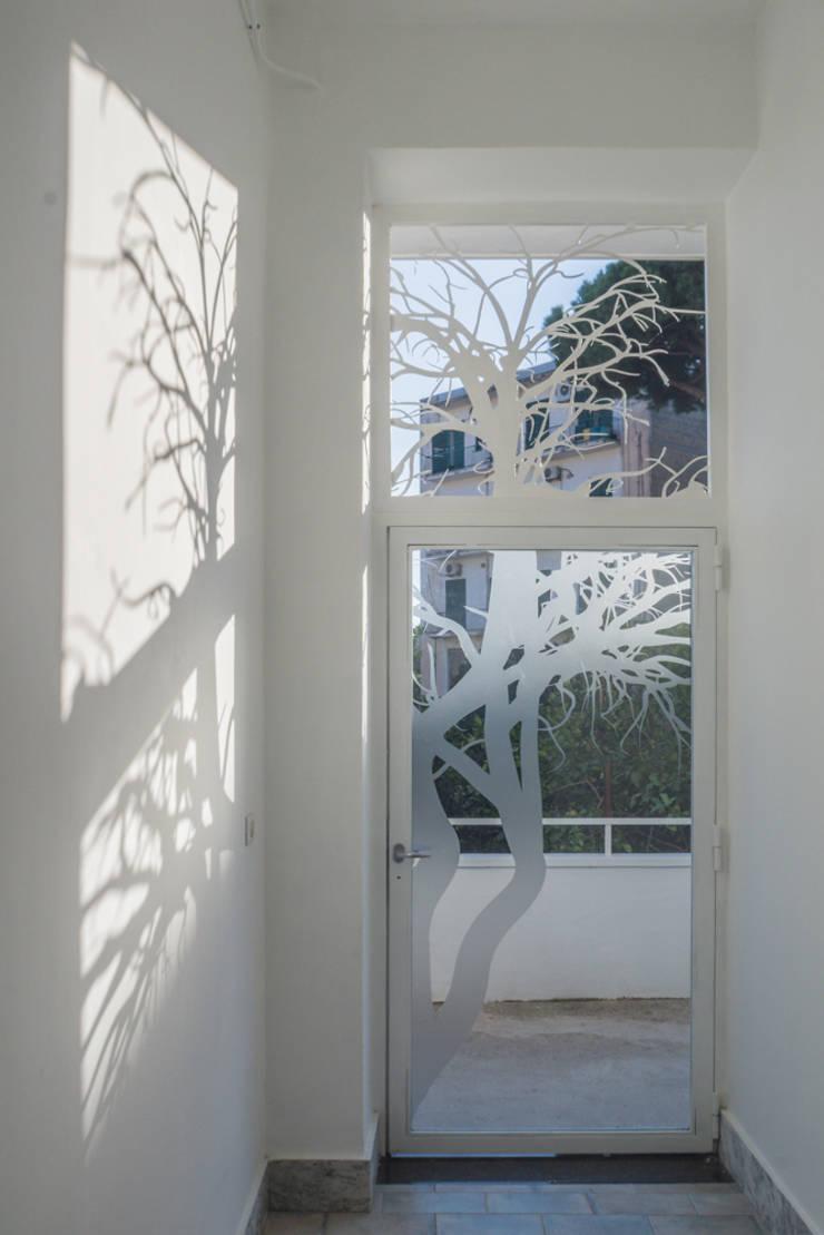 Casa G+R: Giardino in stile  di manuarino_architettura+design