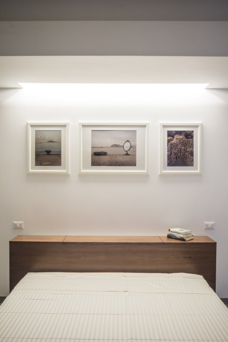 Casa G+R: Camera da letto in stile  di manuarino_architettura+design