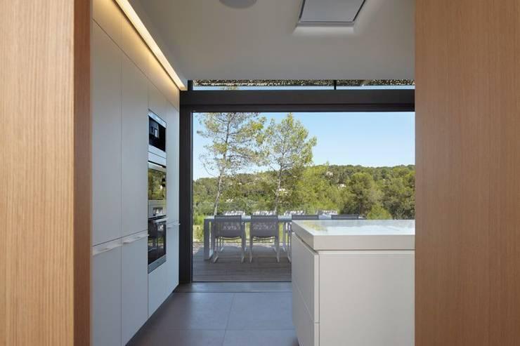 Montpellier House Concept: Soggiorno in stile  di Arch. Massimo Bertola
