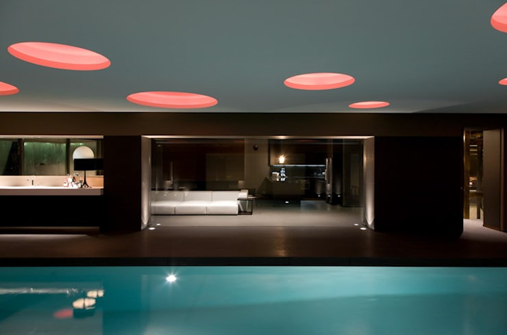 Spa de estilo mediterraneo por Cannata&Partners Lighting Design